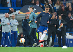 09.05.2019, Stamford Bridge, London, ENG, UEFA EL, FC Chelsea vs Eintracht Frankfurt, Halbfinale, Rückspiel, im Bild Gary Cahill of Chelsea warming up // Gary Cahill of Chelsea warming up during the UEFA Europa League semifinal 2nd leg match between FC Chelsea and Eintracht Frankfurt at the Stamford Bridge in London, Great Britain on 2019/05/09. EXPA Pictures © 2019, PhotoCredit: EXPA/ Focus Images/ Alan Stanford<br /> <br /> *****ATTENTION - for AUT, GER, FRA, ITA, SUI, POL, CRO, SLO only*****