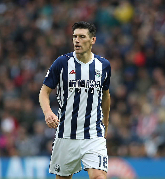 West Bromwich Albion's Gareth Barry<br /> <br /> Photographer Rob Newell/CameraSport<br /> <br /> The Premier League - West Bromwich Albion v West Ham United - Saturday 16th September 2017 - The Hawthorns - West Bromwich<br /> <br /> World Copyright © 2017 CameraSport. All rights reserved. 43 Linden Ave. Countesthorpe. Leicester. England. LE8 5PG - Tel: +44 (0) 116 277 4147 - admin@camerasport.com - www.camerasport.com
