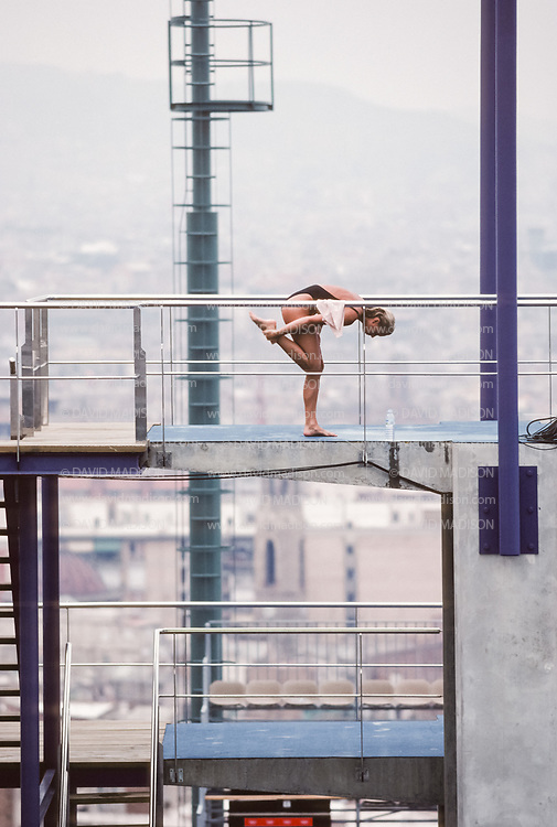 BARCELONA - JULY 21:  Diver Ute Wetzig of Germany practices on the 10 meter platform at the Piscina Municipal de Montjuic on July 21, 1992 during the Summer Olympics in Barcelona, Spain.  (Photo by David Madison/Getty Images)