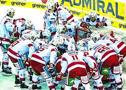 06.03.2020, Keine Sorgen Eisarena, Linz, AUT, EBEL, EHC Liwest Black Wings Linz vs EC KAC, Viertelfinale, 2. Spiel, im Bild Das Team des EC KAC // during the Erste Bank Eishockey League 2nd quarterfinal match between EHC Liwest Black Wings Linz and EC KAC at the Keine Sorgen Eisarena in Linz, Austria on 2020/03/06. EXPA Pictures © 2020, PhotoCredit: EXPA/ Reinhard Eisenbauer