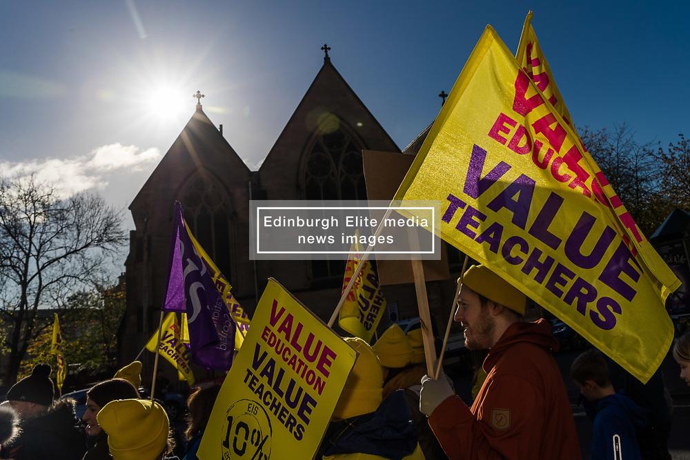 Teachers in the EIS teaching union campaign for a 10% pay rise in Kelvingrove Park, Glasgow (c) Ross Eaglesham  Edinburgh Elite media