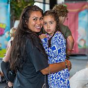 NL/Badhoevedorp/20200627 - Kleuterpop Show Monique Smit, Cheyen van Slee en dochter