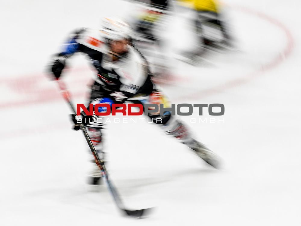 21.11.2020, Eissporthalle am Huehnerberg, Memmingen, DFEL, ECDC Memmingen Indians vs Mad Dogs Mannheim, <br /> im Bild Symbolbild Eishockey<br /> <br /> Foto © nordphoto / Hafner