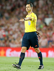 30.05.2015, Camp Nou, Barcelona, ESP, Copa del Rey, Athletic Club Bilbao vs FC Barcelona, Finale, im Bild Spanish referee Carlos Velasco Carballo // during the final match of spanish king's cup between Athletic Club Bilbao and Barcelona FC at Camp Nou in Barcelona, Spain on 2015/05/30. EXPA Pictures © 2015, PhotoCredit: EXPA/ Alterphotos/ Acero<br /> <br /> *****ATTENTION - OUT of ESP, SUI*****
