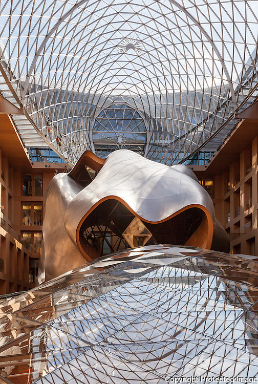 Atrium of DZ Bank building (formerly DG Bank building) Berlin, germany. Built 2000. Architect: Frank Gehry. Engineer: Schlaich Bergermann & Partner.