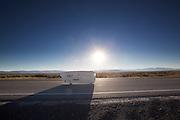 Graeme Obree bij de eerste race van de WHPSC. In Battle Mountain (Nevada) wordt ieder jaar de World Human Powered Speed Challenge gehouden. Tijdens deze wedstrijd wordt geprobeerd zo hard mogelijk te fietsen op pure menskracht. Ze halen snelheden tot 133 km/h. De deelnemers bestaan zowel uit teams van universiteiten als uit hobbyisten. Met de gestroomlijnde fietsen willen ze laten zien wat mogelijk is met menskracht. De speciale ligfietsen kunnen gezien worden als de Formule 1 van het fietsen. De kennis die wordt opgedaan wordt ook gebruikt om duurzaam vervoer verder te ontwikkelen.<br /> <br /> Graeme Obree at the first race of the WHPSC. In Battle Mountain (Nevada) each year the World Human Powered Speed Challenge is held. During this race they try to ride on pure manpower as hard as possible. Speeds up to 133 km/h are reached. The participants consist of both teams from universities and from hobbyists. With the sleek bikes they want to show what is possible with human power. The special recumbent bicycles can be seen as the Formula 1 of the bicycle. The knowledge gained is also used to develop sustainable transport.
