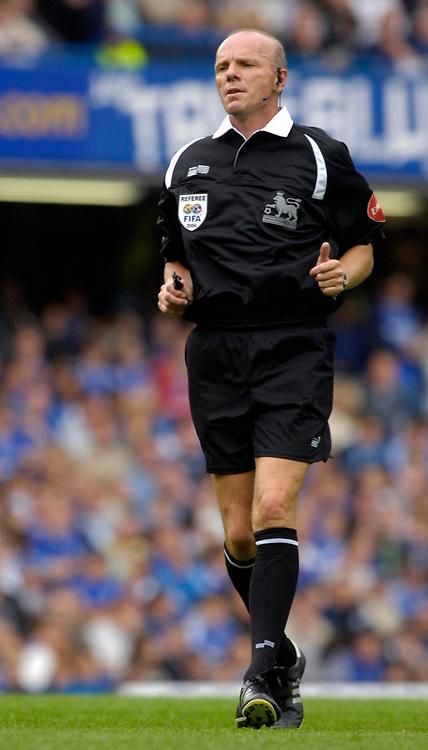 Photo: Daniel Hambury.<br />Chelsea v Manchester City. The Barclays Premiership. 20/08/2006.<br />Referee Steve Bennett.