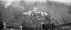 File photo dated 20/11/47 of a panoramic view as the crowds gather outside Buckingham Palace to watch the royal wedding of Princess Elizabeth and the Duke of Edinburgh. Issue date: Friday April 9, 2021. PA Photo See PA story ROYAL Philip Wedding. Photo credit should read: PA/PA Wire