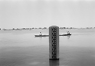 NIGER. Tillabery. 8/12/1985: Water level of the Niger stream.