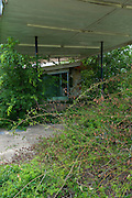 Dilapidated filling station off Interestate 45