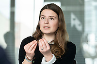 12 MAR 2020, BERLIN/GERMANY:<br /> Luisa Neubauer, Klimaschutzaktivistin, Fridays for Future, waehrend einem Interview, Redaktion Rheinische Post<br /> IMAGE: 20200312-01-031