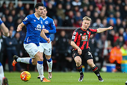 Matt Ritchie of Bournemouth puts Evertons defence under pressure - Mandatory by-line: Jason Brown/JMP - Mobile 07966 386802 28/11/2015 - SPORT - FOOTBALL - Bournemouth, Vitality Stadium - AFC Bournemouth v Everton - Barclays Premier League