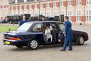 Prinses Leonore dochter , de jongste dochter van Prins Constantijn en  Prinses Laurentien is zondagochtend 8 oktober 2006 in  de kapel van Paleis Het Loo  in Apeldoorn gedoopt. / Princes Leonore, the jongest daughter of Prince Constantijn en Princes Laurentien, is baptist in Palace Het Loo in Apeldoorn.<br /> <br /> Op de foto / On the photo:  Prins Constantijn en prinses Laurentien arriveren met hun kinderen Claus Casimir, Eloise en Leonore / Prince Constantijn and Princes Laurentien arrive with their children Claus Casimir, Eloise and Leonore