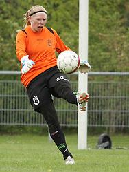 FODBOLD: Christa Rostgaard Jensen (Taastrup FC) under kampen i 3F Ligaen mellem Taastrup FC og OB den 12. maj 2012 i Taastrup Idrætspark. Foto: Claus Birch