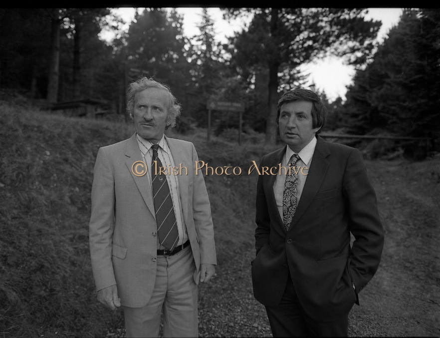 """The Carlingford Oyster Festival.1982.19.08.1982..08.19.1982.19th August 1982..Pictures and Images of the Carlingford Oyster Festival...The Minister For Fisheries and Forestry Mr Brendan Daly officially opened  The Carlingford Oyster Festival. The Chairman of the organising committee was Mr. Joe McKevitt..""""The Oyster Pearl"""" was Ms Deirdre McGrath..Mr McKevitt points out aspects of the local nature trail."""