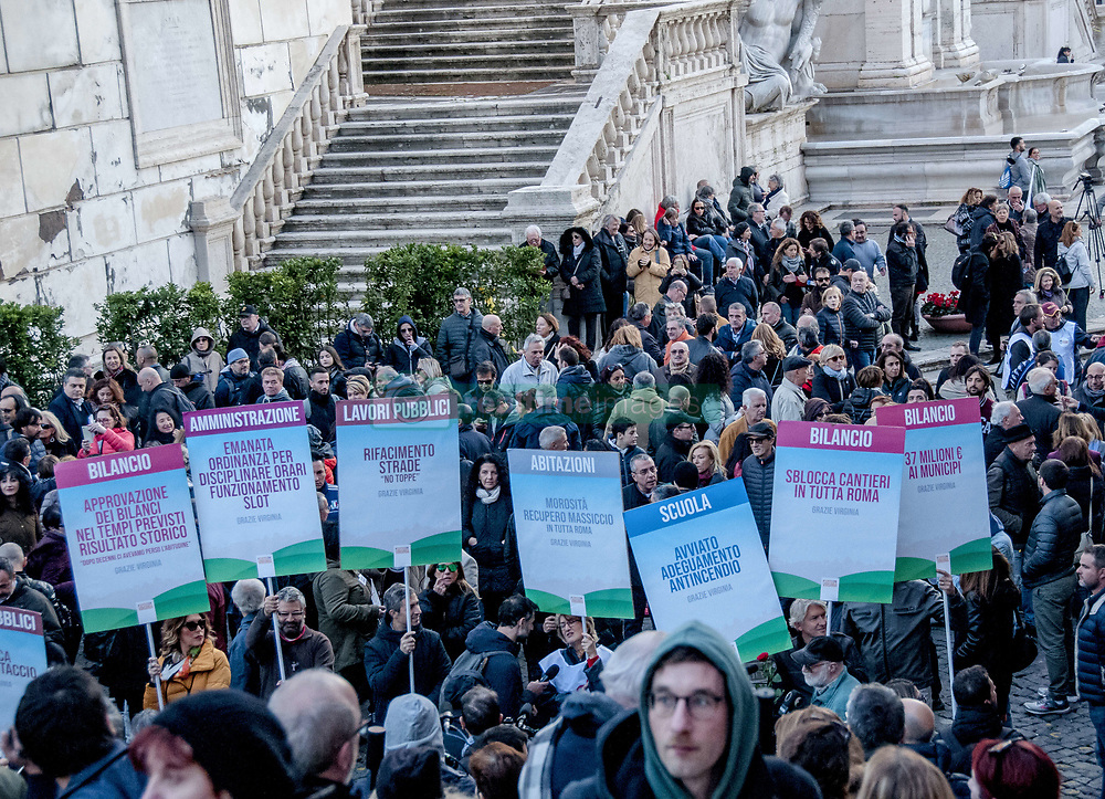 November 17, 2018 - Rome, Italy, Italy - Rome: demonstration in Campidoglio in support of Rome mayor Virginia Raggi organized by the Facebook group 'Always whit Virginia' to claim the things done by the Capitol junta to 5 Stars. Even the mayor took to the streets to greet the demonstrators. (Credit Image: © Patrizia Cortellessa/Pacific Press via ZUMA Wire)