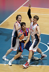 15.05.2010, Fernando Buesa Arena, Vitoria Gazteiz, ESP, ACB, Finals, Caja Laboral Baskonia vs FC Barcelona im Bild FC Barcelona's Victor Sada (c) and Caja Laboral Baskonia's Marcelinho Huertas (l) and Tiago Splitter, EXPA Pictures © 2010, PhotoCredit: EXPA/ Alterphotos/ Acero / SPORTIDA PHOTO AGENCY