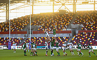Rugby Union - 2020 / 2021 European Rugby Challenge Cup - London Irish vs Pau - Brentford Community Stadium<br /> <br /> London Irish's Steve Mafi claims the lineout.<br /> <br /> COLORSPORT/ASHLEY WESTERN