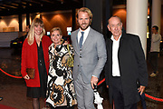 Koning Willem-Alexander en koningin Maxima zijn aanwezig bij de  premierevoorstelling Ode aan de Meester, een eerbetoon aan choreograaf. <br /> <br /> King Willem-Alexander and Queen Maxima are present at the premiere performance Ode aan de Meester, a tribute to choreographer.<br /> <br /> Op de foto / On the photo:  Peter Romer met partner Annet Hock en kinderen Thijs Romer en Nienke Romer