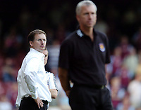 Photo: Olly Greenwood.<br />West Ham United v Newcastle United. The Barclays Premiership. 17/09/2006. Newcastle manager Glen Roeder andWest Ham manager Alan Pardew