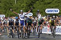 SYKKEL- TOUR DE FRANCE 2003 - STEP5 - TROYES > NEVERS - 10072003 - PHOTO: CROSNIER MILLEREAU / DIGITALSPORT<br /> <br /> ALESSANDRO PETACCHI (ITA) / FASSA BORTOLO<br /> THOR HUSHOVD - CREDIT AGRICOLE