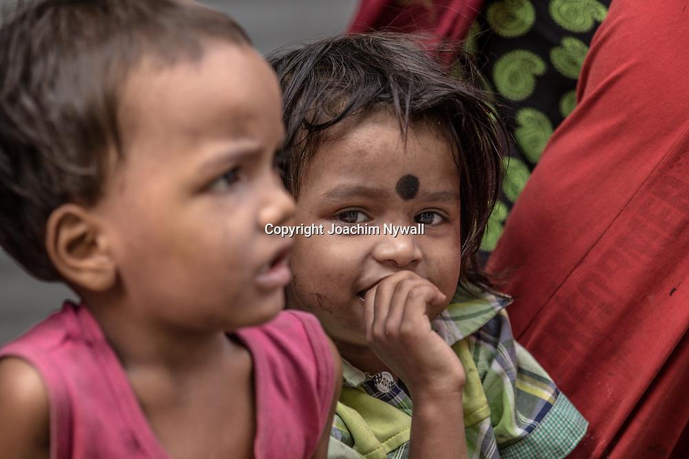 20171029 Kolkata Calcutta Indien<br /> Gatubarn i Chadni Chowk området<br /> <br /> ----<br /> FOTO : JOACHIM NYWALL KOD 0708840825_1<br /> COPYRIGHT JOACHIM NYWALL<br /> <br /> ***BETALBILD***<br /> Redovisas till <br /> NYWALL MEDIA AB<br /> Strandgatan 30<br /> 461 31 Trollhättan<br /> Prislista enl BLF , om inget annat avtalas.
