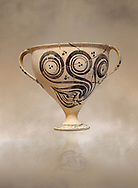 """Minoan decorated two handled Ephyraean goblet  with stylised floral design , Konssos  'Unexplored Mansion"""" 1450-1370 BC; 1400-1250 BC; Heraklion Archaeological Museum. .<br /> <br /> If you prefer to buy from our ALAMY PHOTO LIBRARY  Collection visit : https://www.alamy.com/portfolio/paul-williams-funkystock/minoan-art-artefacts.html . Type -   Heraklion   - into the LOWER SEARCH WITHIN GALLERY box. Refine search by adding background colour, place, museum etc<br /> <br /> Visit our MINOAN ART PHOTO COLLECTIONS for more photos to download  as wall art prints https://funkystock.photoshelter.com/gallery-collection/Ancient-Minoans-Art-Artefacts-Antiquities-Historic-Places-Pictures-Images-of/C0000ricT2SU_M9w"""