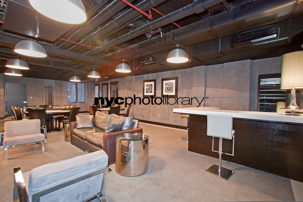 Lounge at 254 Park Avenue South