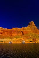 Houseboats anchored along Lake Powell (with Gunsight Butte in background), Glen Canyon National Recreation Area, Arizona/Utah border USA