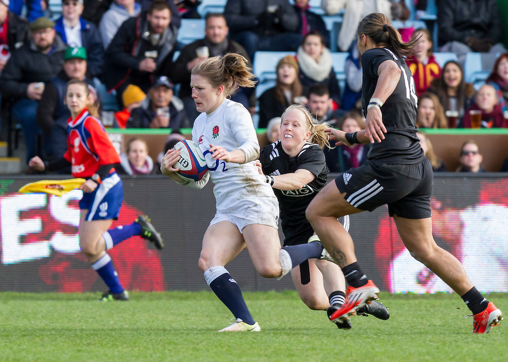 Lydia Thompson gets away and goes on to score a try, England Women v New Zealand Women in an Old Mutual Wealth Series, Autumn International match at Twickenham Stoop, Twickenham, England, on 19th November 2016. Full Time score 20-25