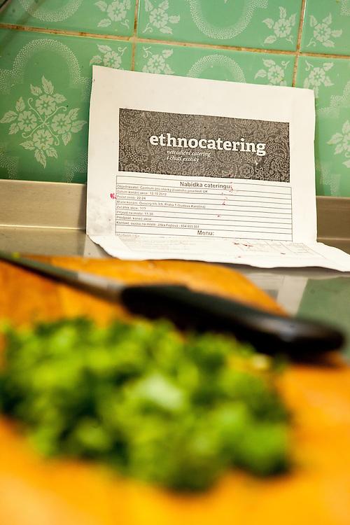 In der Küche des Ethnocatering Service in Prag.