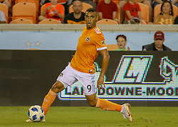 August 4, 2018 - Houston, TX, U.S. - HOUSTON, TX - AUGUST 04:  Houston Dynamo forward Mauro Manotas (9) looks for an open player during the soccer match between Sporting Kansas City and Houston Dynamo on August 4, 2018 at BBVA Compass Stadium in Houston, Texas.  (Photo by Leslie Plaza Johnson/Icon Sportswire) (Credit Image: © Leslie Plaza Johnson/Icon SMI via ZUMA Press)