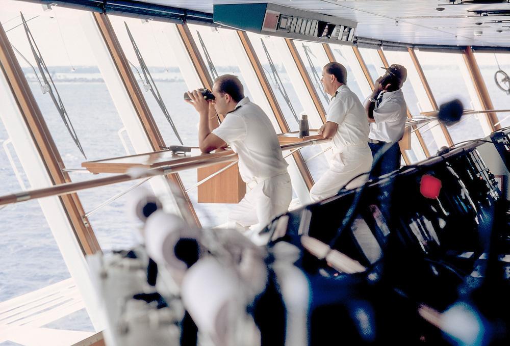 Caraibi - Crociera Costa Atlantica - Il comandante Giuliano Bossi al Ponte di comando