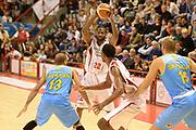 DESCRIZIONE : Pistoia campionato serie A 2013/14 Giorgio Tesi Group Pistoia Vanoli Cremona <br /> GIOCATORE : Kyle Gibson<br /> CATEGORIA : passaggio composizione<br /> SQUADRA : Giorgio Tesi Group Pistoia<br /> EVENTO : Campionato serie A 2013/14<br /> GARA : Giorgio Tesi Group Pistoia Vanoli Cremona <br /> DATA : 10/11/2013<br /> SPORT : Pallacanestro <br /> AUTORE : Agenzia Ciamillo-Castoria/GiulioCiamillo<br /> Galleria : Lega Basket A 2013-2014  <br /> Fotonotizia : Pistoia campionato serie A 2013/14 Giorgio Tesi Group Pistoia Vanoli Cremona<br /> Predefinita :