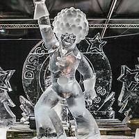 Nederland, Amsterdam, 2 december 2016.<br />ijsbeelden festival op de Arena Boulevard in Amsterdam Zuid-Oost.<br />Het Nederlands IJsbeelden Festival pakt dit jaar extragroots uit. Met meer dan 100 ijs- en sneeuwbeelden tot wel 6 meter hoog. Gemaakt van 275.000 kilo ijs en 275.000 kilo sneeuwdoor de 42 beste ijskunstenaars van de wereld. Ruim 3.000 m² wintervertier voor de hele familie.<br /> Het Nederlands IJsbeelden Festival staat in de TOP-5 van 'Meest leuke en best bezochte winteruitjes van Nederland'.<br /><br /><br /><br />Foto: Jean-Pierre Jans