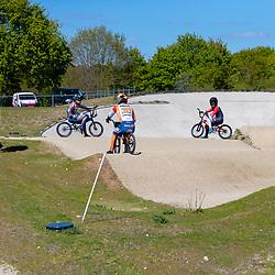 05-05-2020: Wielrennen: BMX KNWU: Papendal <br />Trainen in de Corona tijd