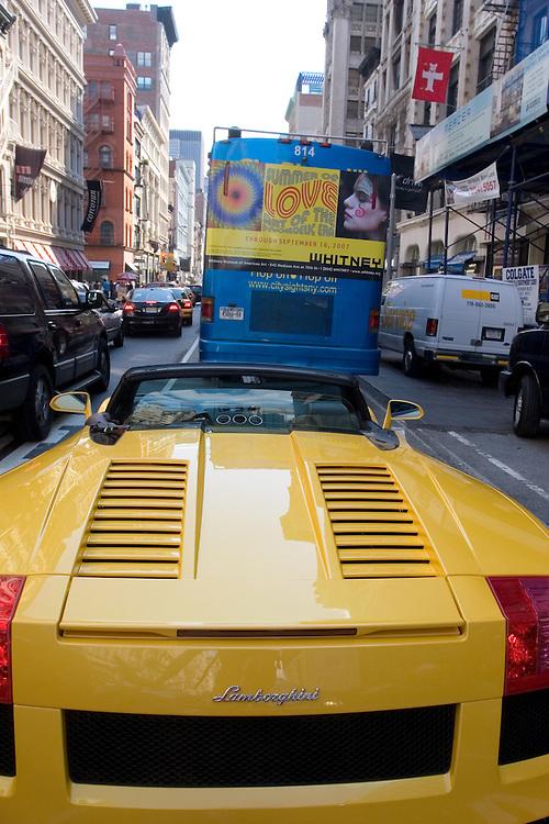 Lamborginy stuck in a traffic jam at Greenwich Village Street.<br /> <br /> Un deportivo de lujo, atrapado en un atasco en una calle de Greenwich Village, en Manhattan.