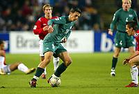 Fotball / Soccer<br /> VM-kvalifisering / World Cup Qualifier<br /> Norge v Slovenia / Norway v Slovenia<br /> 13.10.2004<br /> Foto: Morten Olsen, Digitalsport<br /> <br /> Milenko Acimovic - Lille