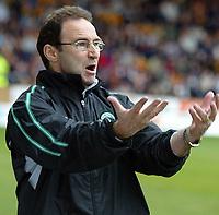 Fotball<br /> Skottland 2004/2005<br /> Foto: SBI/Digitalsport<br /> NORWAY ONLY<br /> <br /> Motherwell v Celtic<br /> <br /> Scottish Premier League, Fir Park, Motherwell<br /> <br /> Sunday 22/05/2005<br /> <br /> Martin O'Neill screams at his players today