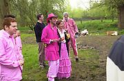May morning. Oxford. 1 May 2001. © Copyright Photograph by Dafydd Jones 66 Stockwell Park Rd. London SW9 0DA Tel 020 7733 0108 www.dafjones.com