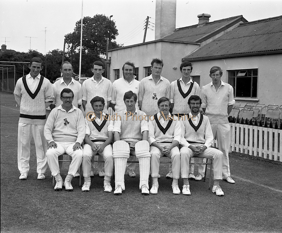 18/07/1970<br /> 07/18/1970<br /> 18 July 1970<br /> Cricket: Clontarf 1st XI v Old Belvedere, Leinster Senior Cup Final at Clontarf Cricket Club, Dublin. The Clontarf team.