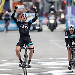 28-02-2015: Wielrennen: Omloop het Nieuwsblad: Gent<br /> GENT (Bel): De omloop het Nieuwsblad is de openingskoers in BeNeLux.  De wedstrijd door de Vlaamse Ardennen is bij de mannen dit jaar aan zijn 70e editie toe. Ian Stannard wint zijn tweede Omloop het Nieuwsblad voor Niki Terpstra