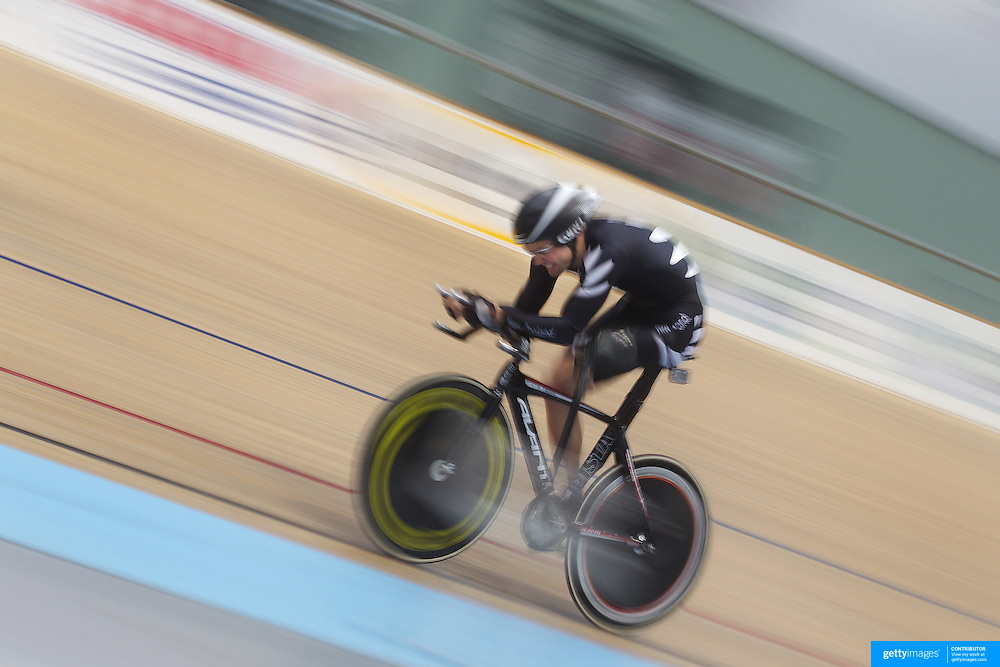 Nathan Smith, New Zealand,  in action during the Para-Cycling Men 1000m Time Trial at the 2012 Oceania WHK Track Cycling Championships, Invercargill, New Zealand. 21st November  2011. Photo Tim Clayton...