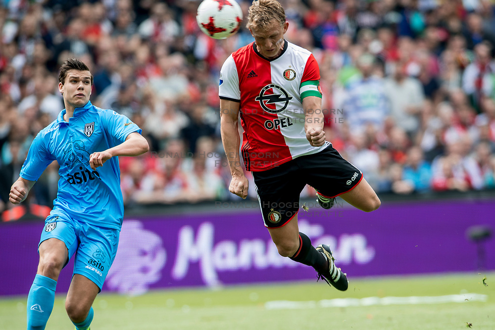 14-05-2017 NED: Kampioenswedstrijd Feyenoord - Heracles Almelo, Rotterdam<br /> In een uitverkochte Kuip speelt Feyenoord om het landskampioenschap / Dirk Kuijt scoort de 2-0