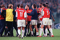 Arsenal and Lazio players clash at the end of the match. S.S.Lazio 1:1 Arsenal, UEFA Champions League, Group B, Olympic Stadium, Rome, 17/10/2000. Credit Colorsport / Stuart MacFarlane.