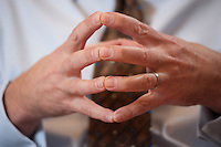 09 JAN 2009, BERLIN/GERMANY:<br /> Haende von Frank-Juergen Weise, Praesident der Bundesanstalt fuer Arbeit, BfA, waehrend einem Interview, in seinem Buero, Bundesanstalt fuer Arbeit Berlin<br /> IMAGE: 20090109-02-001<br /> KEYWORDS: Frank-Jürgen Weise, Hände, Hand
