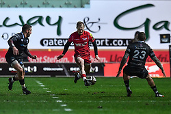 Scarlets' Aled Davies kicks through - Mandatory by-line: Craig Thomas/Replay images - 26/12/2017 - RUGBY - Parc y Scarlets - Llanelli, Wales - Scarlets v Ospreys - Guinness Pro 14