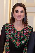 Officieel bezoek Jordanie aan Nederland - Dag 1<br /> <br /> Officiele foto voorafgaand aan het staatsdiner <br /> <br /> Official visit Jordan to the Netherlands - Day 1<br /> <br /> Official photo prior to the state dinner<br /> <br /> Op de foto / On the photo: <br /> <br />  koningin Rania /  Queen Rania