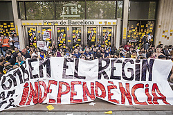 October 1, 2018 - Barcelona, Catalonia, Spain - Sporadic demonstration in the Barcelona Stock Exchange gates in the first anniversary of the catalan elections for independence in 2017 on October 1, 2018 in Barcelona, Spain. Catalonia marks the first anniversary of the independence referendum which was approved by the Catalan Government and banned by Spain's Goverment. The Police operation to prevent the referendum cost 87 million Euro and left nearly 900 injured people. (Credit Image: © Celestino Arce/NurPhoto/ZUMA Press)