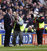 Photo. Glyn Thomas.<br /> Leicester City v Liverpool. FA Barclaycard Premiership.<br /> Walkers Stadium, Leicester. 28/03/2004.<br /> Liverpool's manager Gerard Houllier has come under much scrutiny from the press recently.